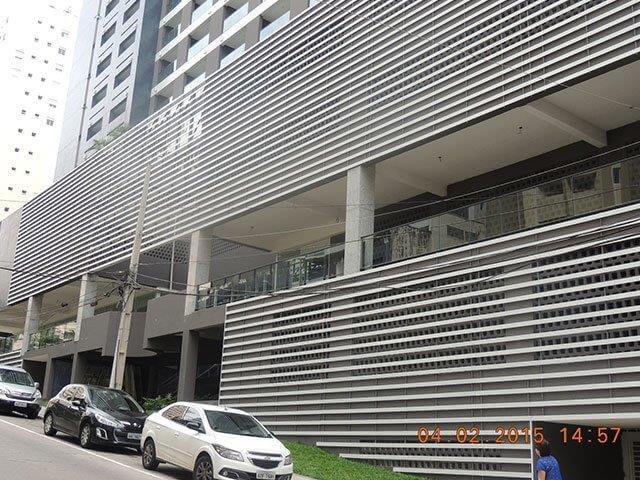 revestimento metálico fachada